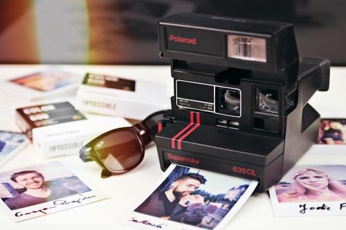 Polaroid 636 CL Redbar2 (1)